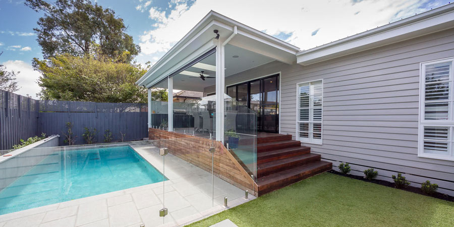 Bentleigh custom build exterior swimming pool
